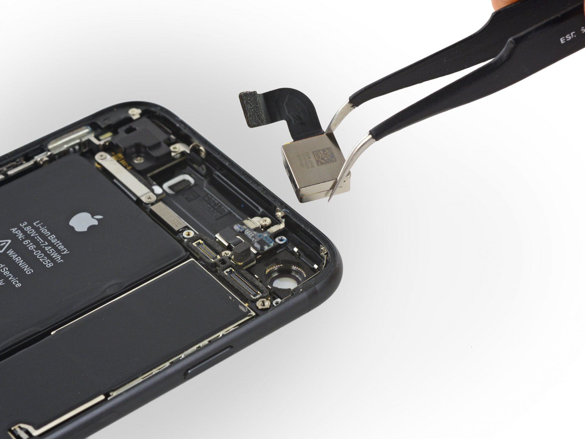 iPhone 7 hátlapi kamera cseréje