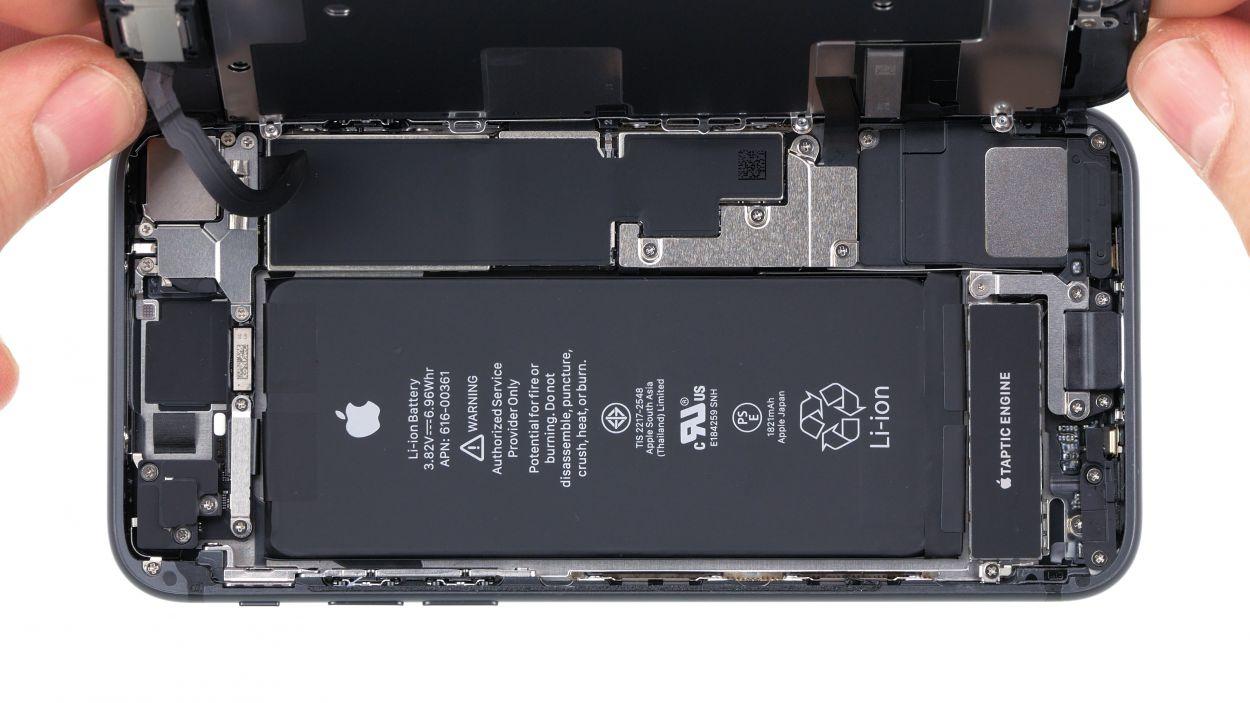 iPhone 8 kijelző cseréje